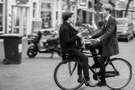 twee-jongens-op-fiets-1-van-1