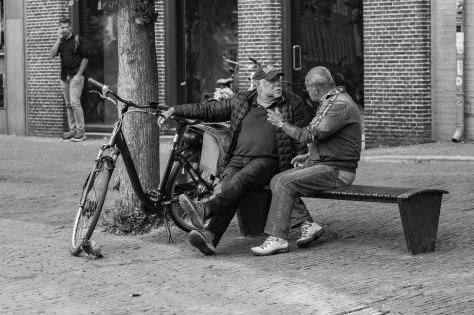 twee mannen in gesprek (1 van 1)